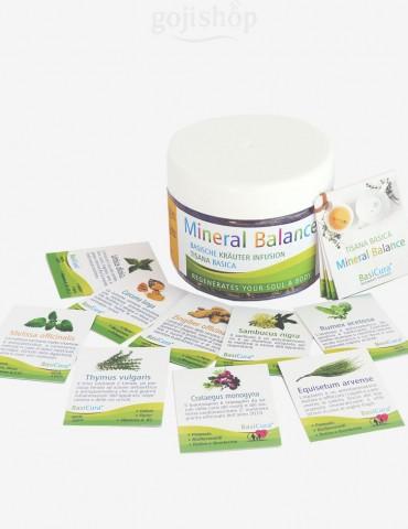 Tisana con erbe medicinali basiche