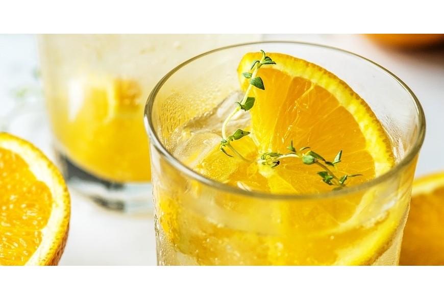 Un bicchiere di acqua calda al mattino: Grande effetto curativo